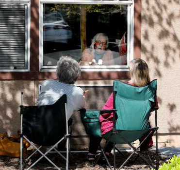 Share your pandemic care home experiences with BC's Seniors Advocate